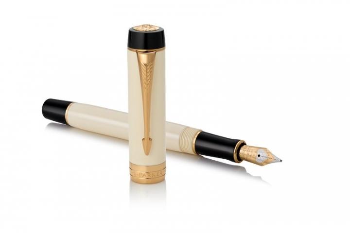 Ivory & Black Fountain Pen - Medium nib